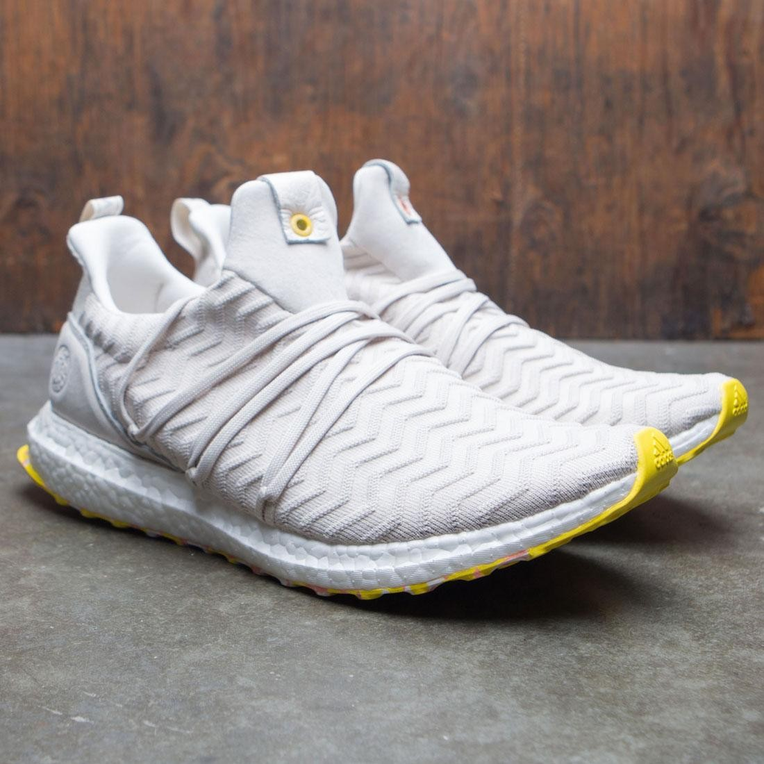 Adidas Consortium x A Kind Of Guise Men UltraBOOST AKOG (white core white punjab)