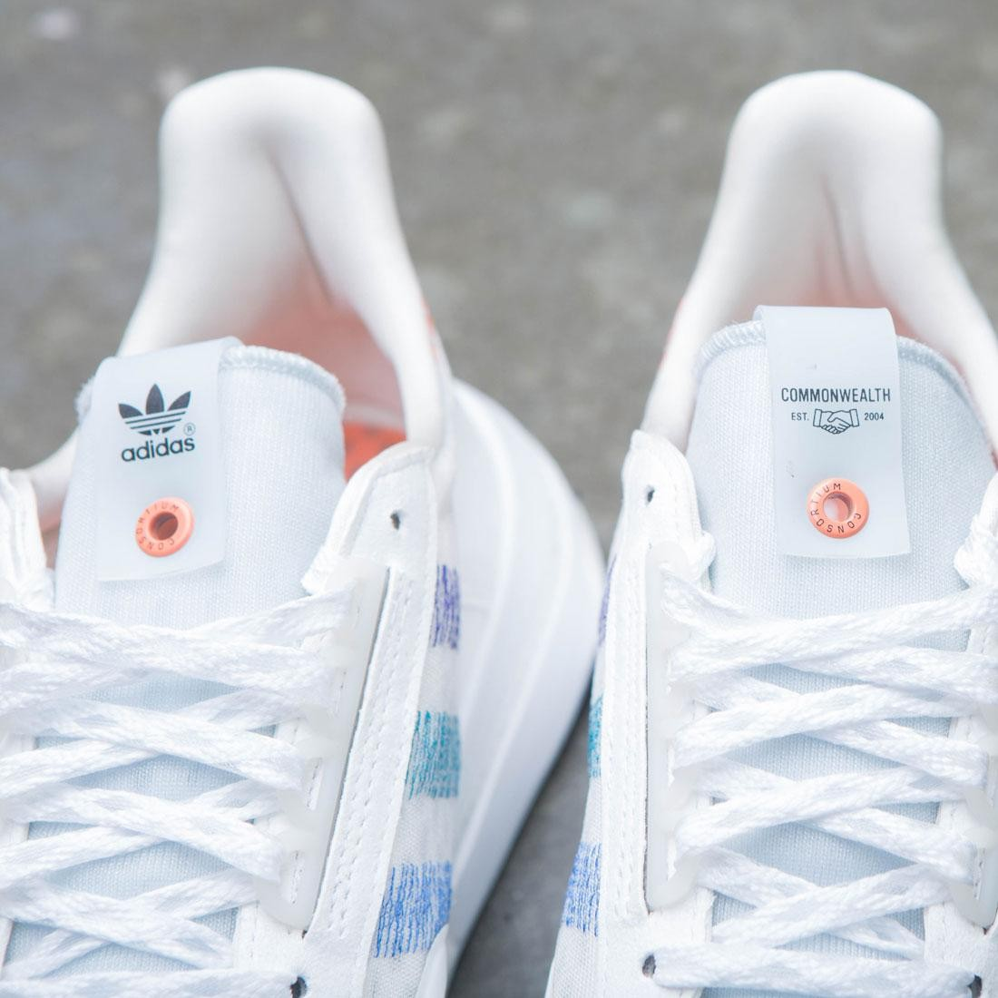 80063e288 Adidas Consortium x Commonwealth Men ZX 500 RM (white   orchid tint)