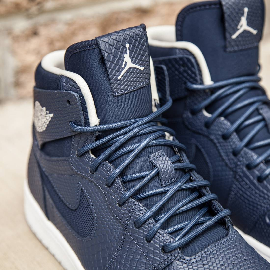 Air Jordan 1 Retro High Nouveau Men (midnight navy   white   infrared 23    light bone) 0cd638a2c0ab
