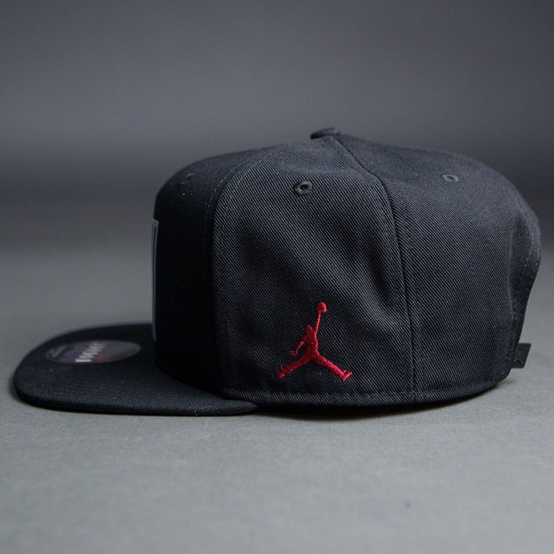 ec6986f1 jordan men air jordan 11 low snapback cap black gym red