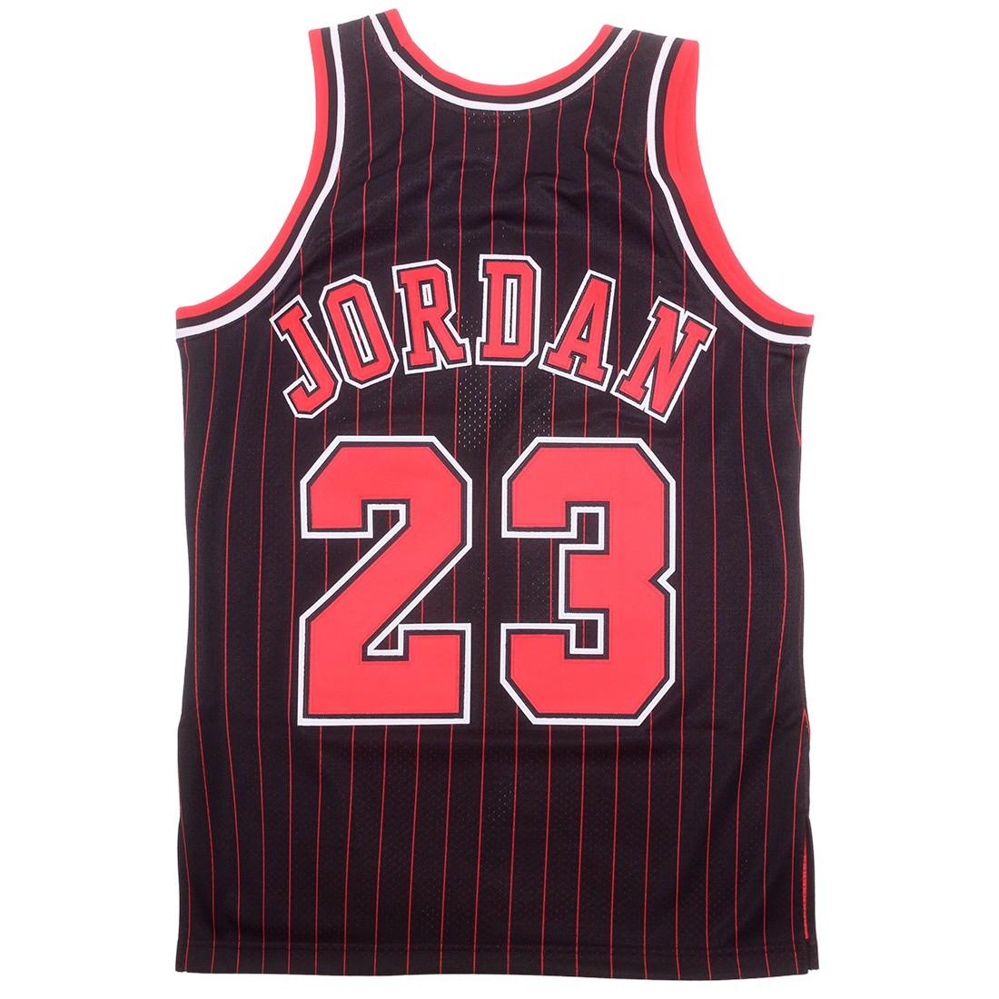 Mitchell And Ness x NBA Men Chicago Bulls Michael Jordan Jersey - Alternative 96 (black)