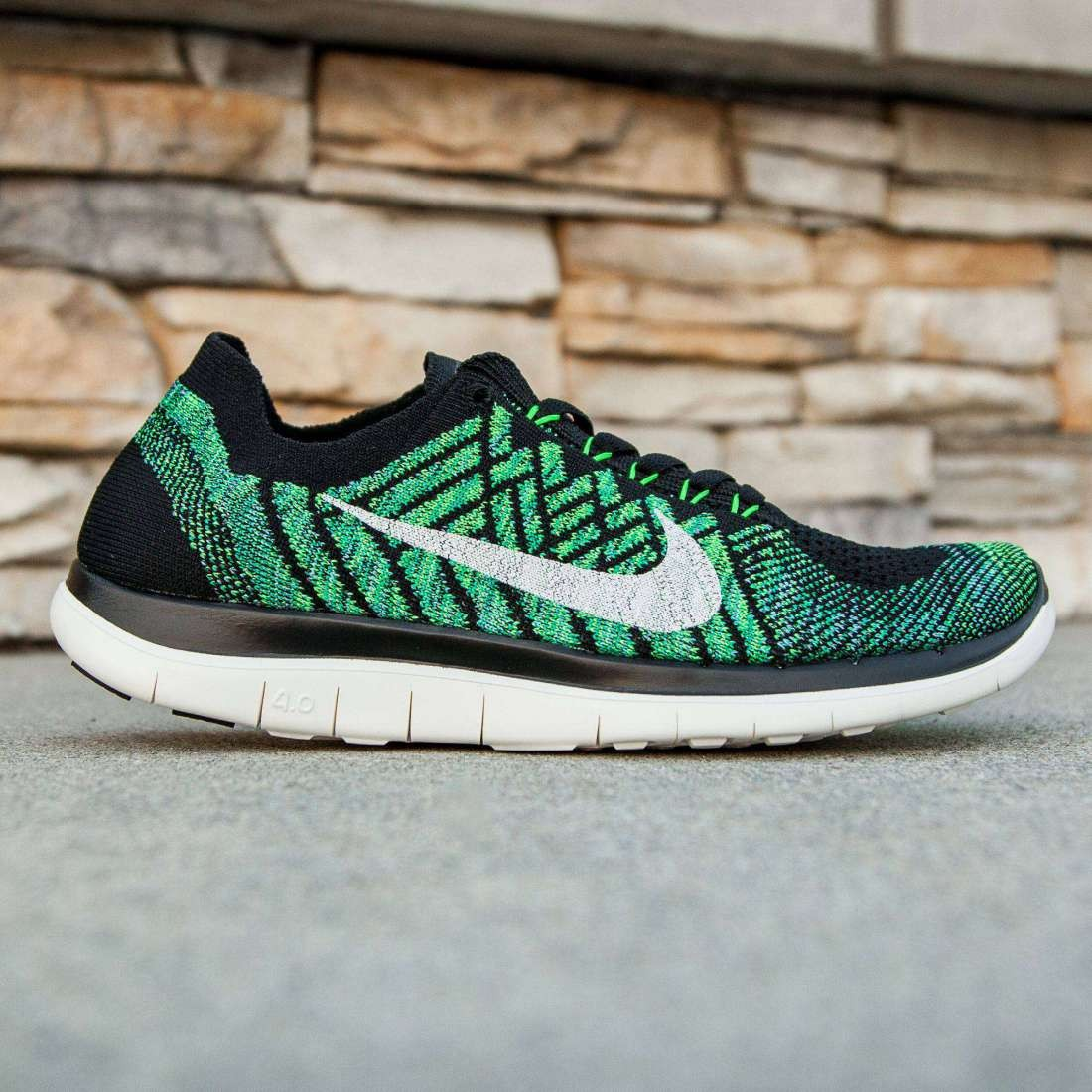 Nike Women Free 4.0 Flyknit (black  sail  voltage green  luc