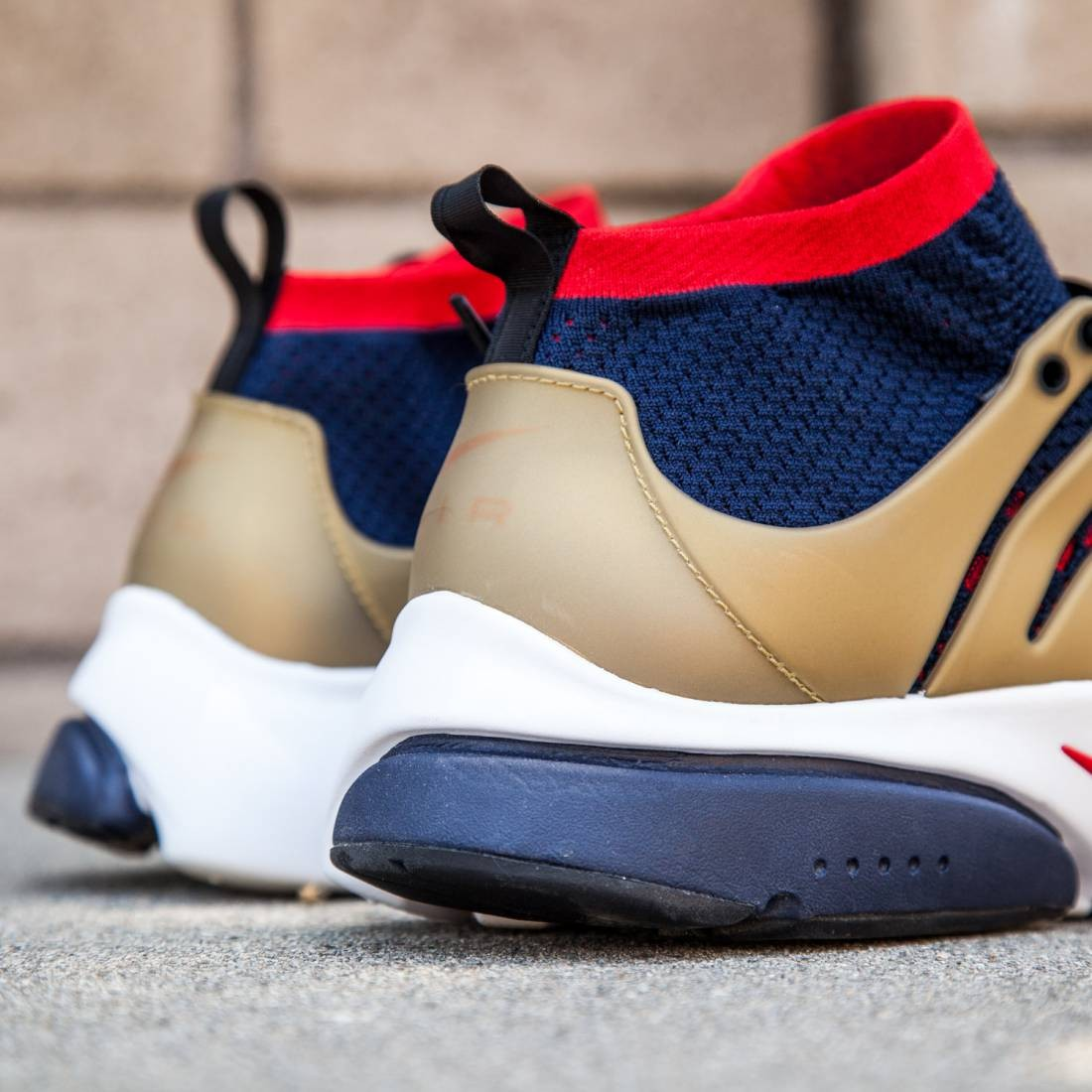 another chance 8ed62 dff1d Nike Men Nike Air Presto Ultra Flyknit Shoe (college navy   comet red-metallic  gold)