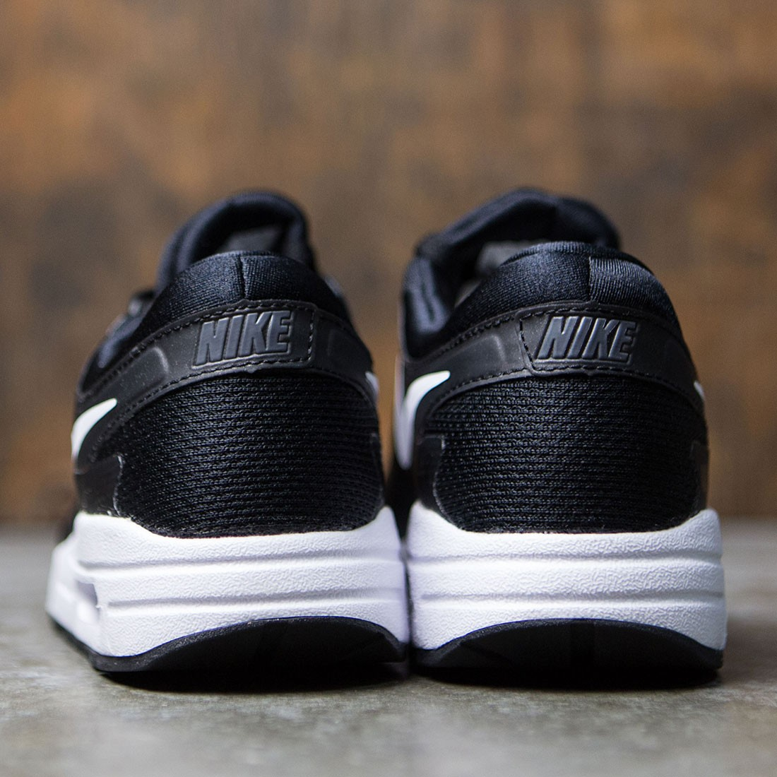 Nike Big Kids Nike Air Max Zero Essential (Gs) (black white dark grey)