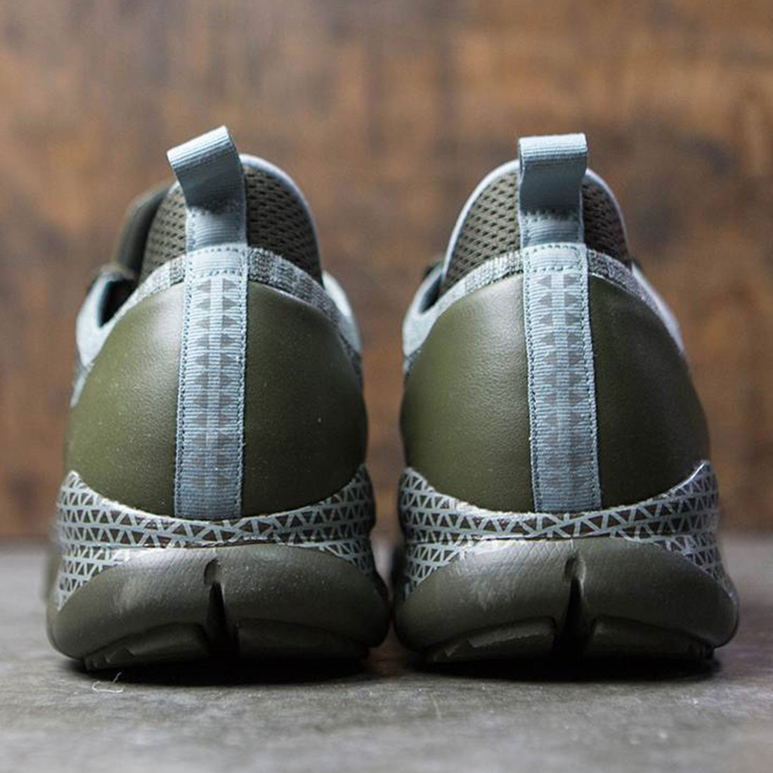 59cbaf3e8894 Nike Men Lupinek Flyknit (cargo khaki   mica green-cargo khaki)