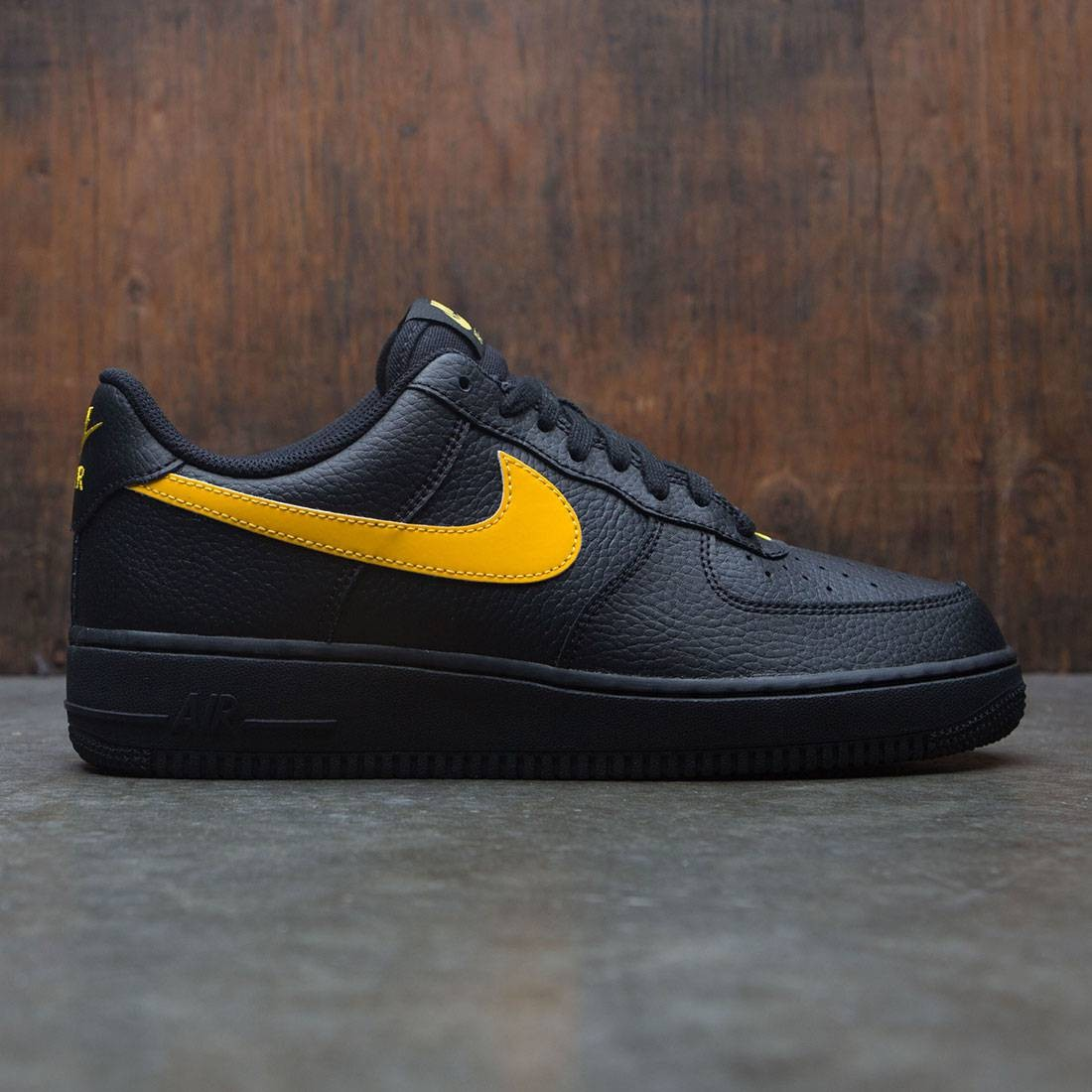 Nike Men Air Force 1 07 Black Amarillo