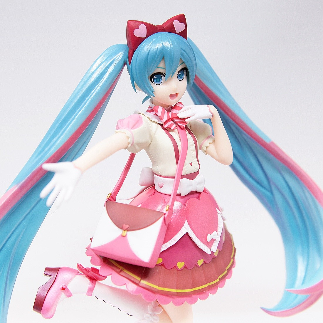 sega Hatsune Miku series Hatsune Miku ribbon Heart super-premium Figure Figurine