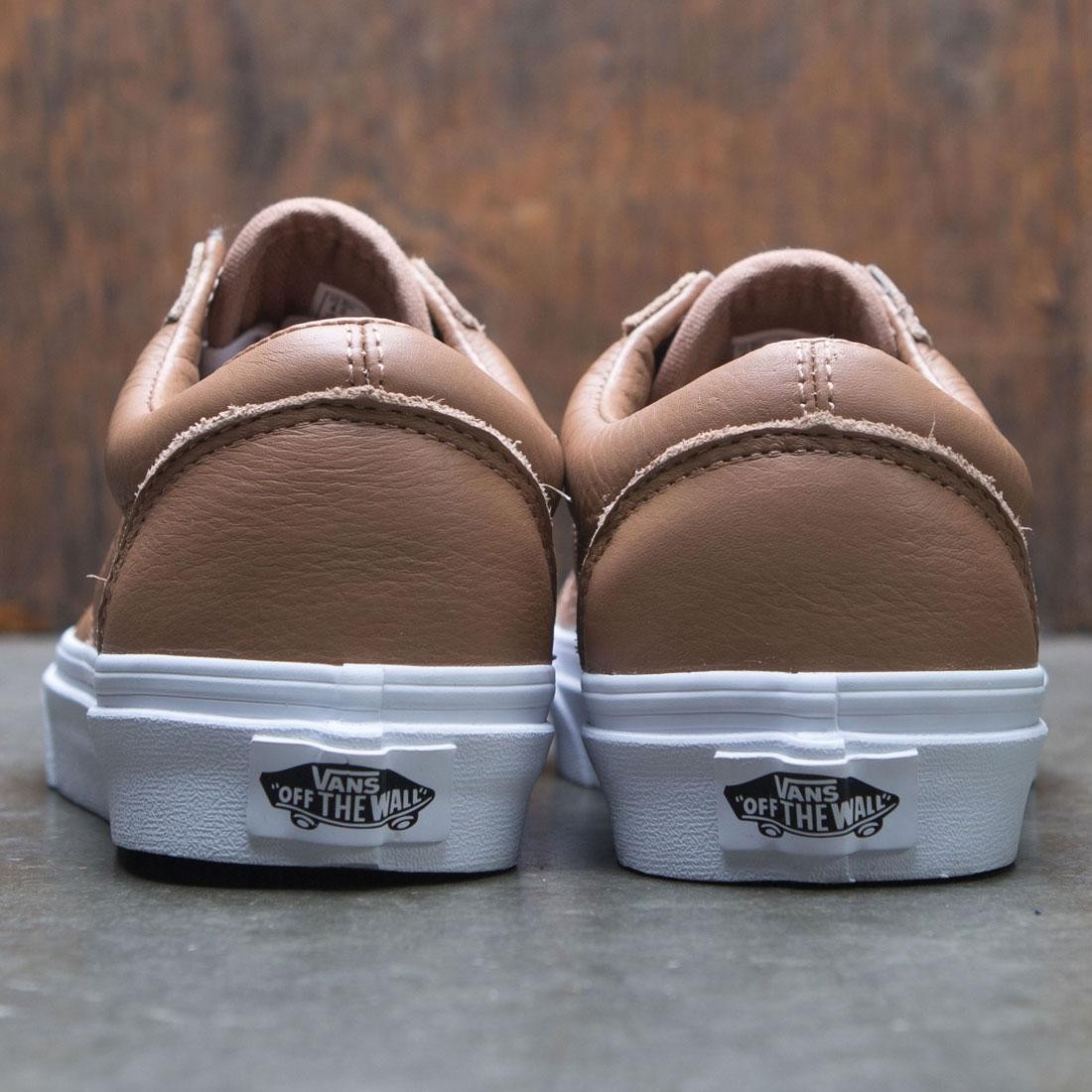b323422ac77d4b Vans Women Old Skool - Tawny Leather (brown   true white)