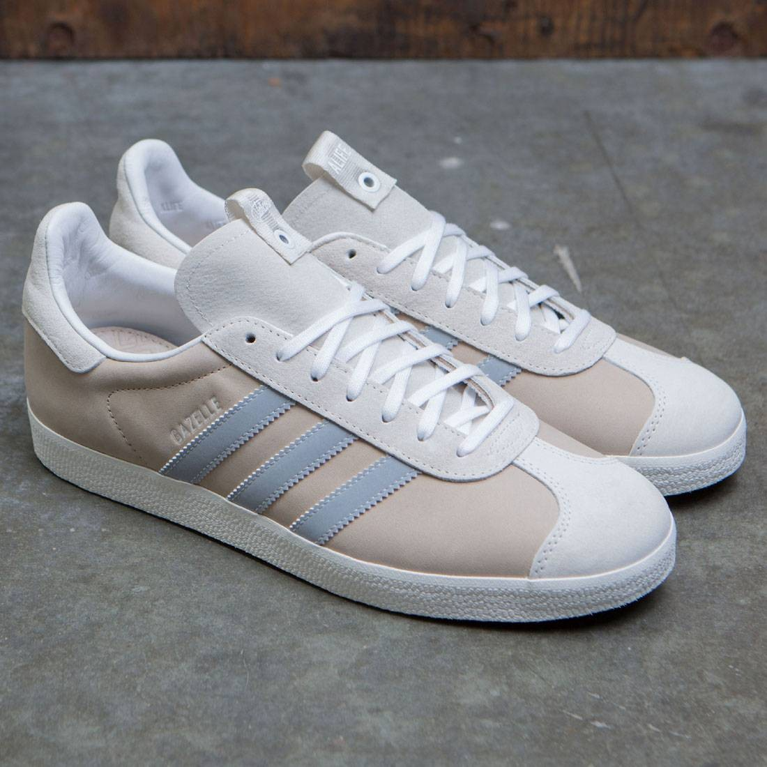 brand new 12285 8db54 Adidas Consortium x Alife x Starcow Men Gazelle Sneaker Exchange (white   chalk white)