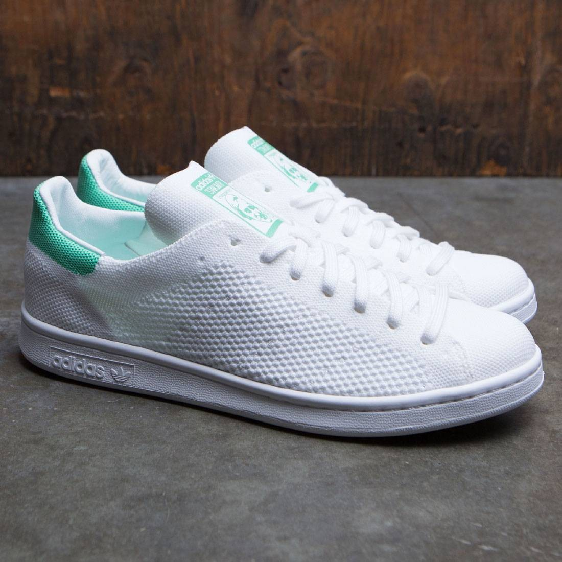 buy online detailed images lower price with Adidas Men Stan Smith Primeknit (white / footwear white / green glow)