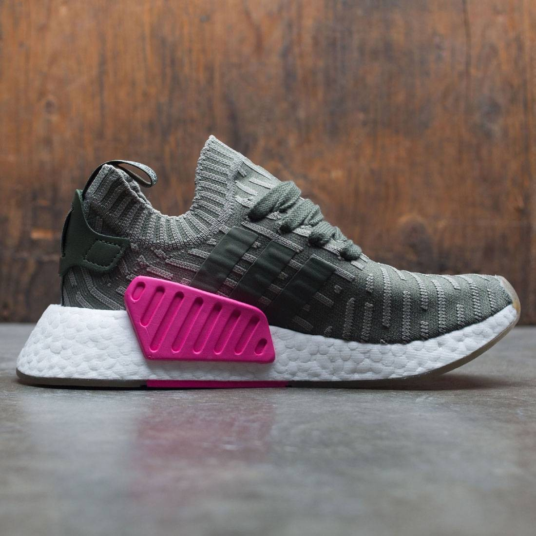 Adidas Women NMD R2 Primeknit W (green   sargent major   shock pink) 6a9596464c