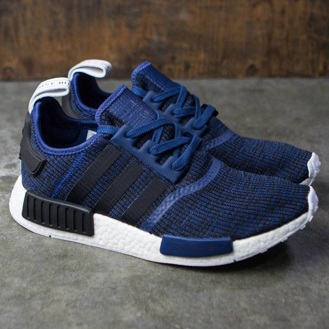 cheap for discount ed6d0 6132f Adidas Men NMD R1 (blue / mystery blue / core black / collegiate navy)