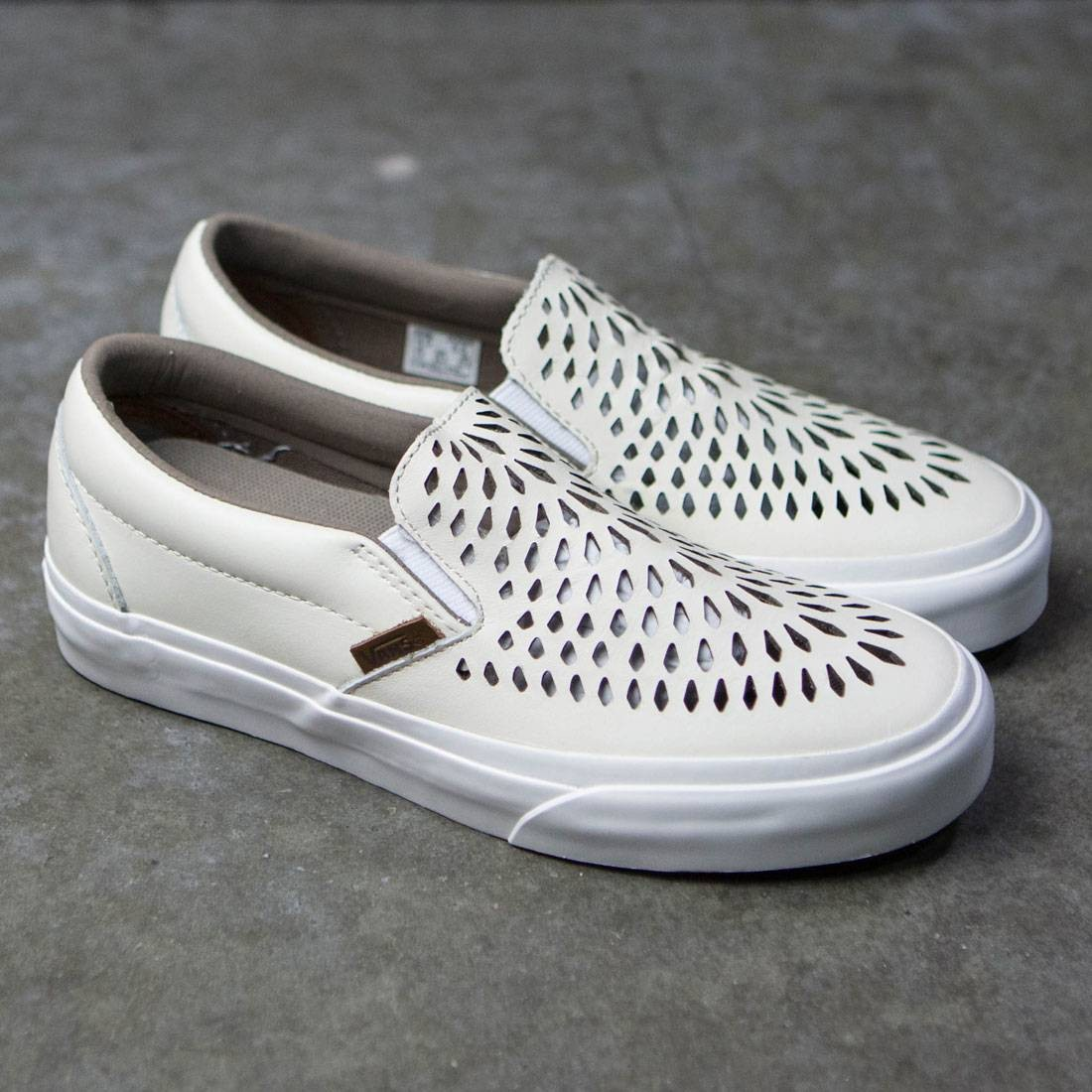 b3d50254cb Vans Men Classic Slip-On Dx - Havana Perforated Leather (white)