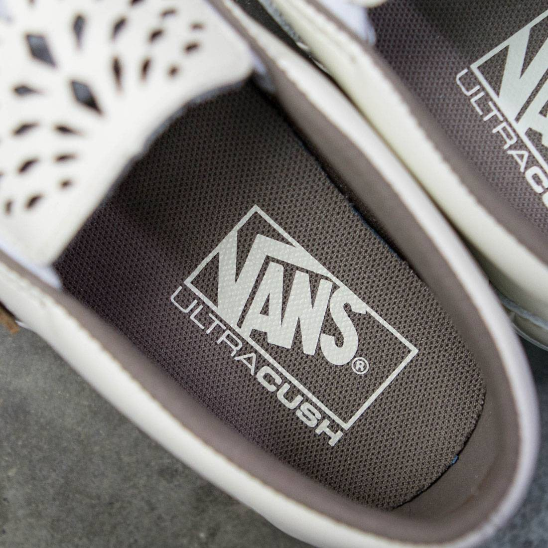 Vans Men Classic Slip-On Dx - Havana Perforated Leather (white) 3210f5423