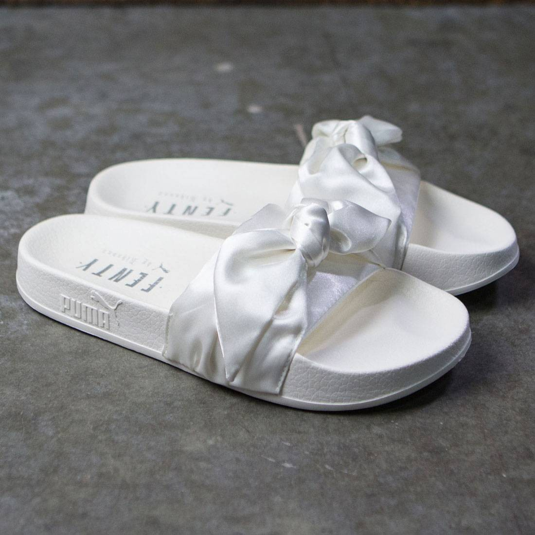 watch 5d672 ab351 Puma x Fenty By Rihanna Women Bow Slides (white / silver)