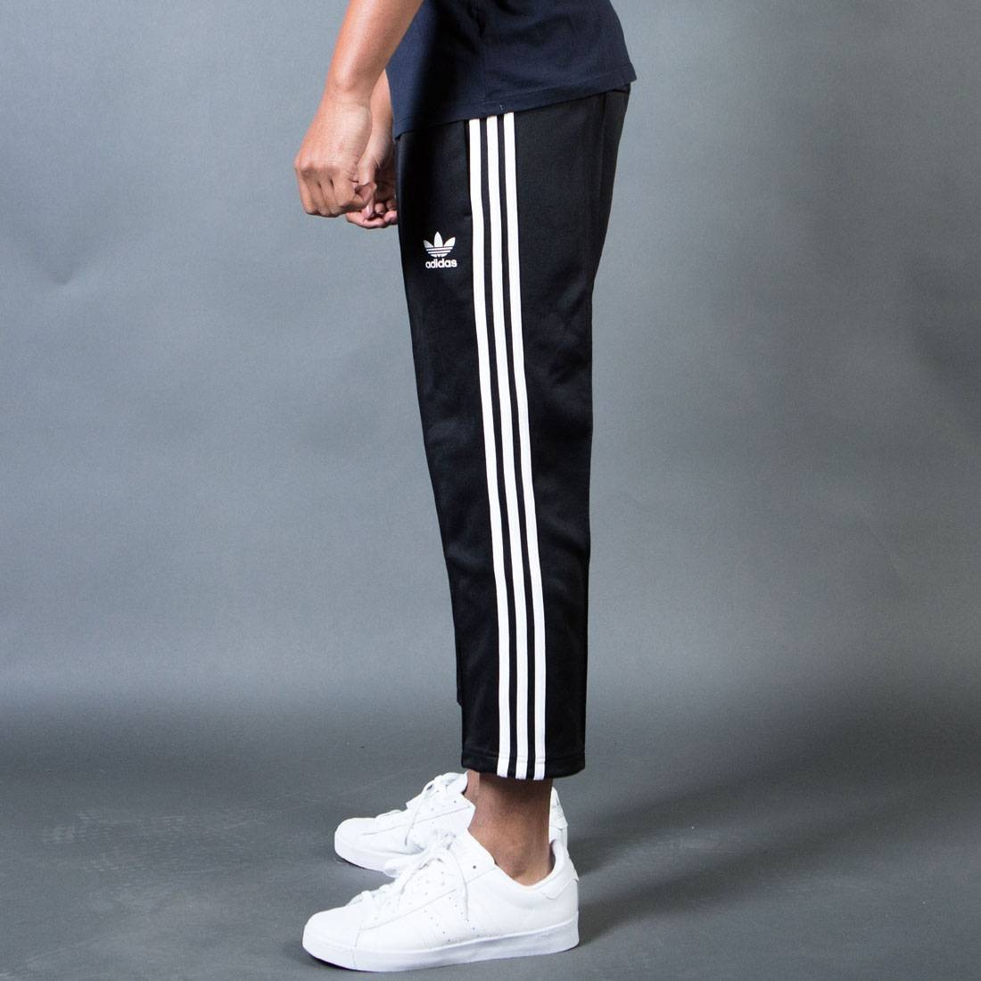 Adidas Men Superstar Relaxed Cropped Track Pants (black white)