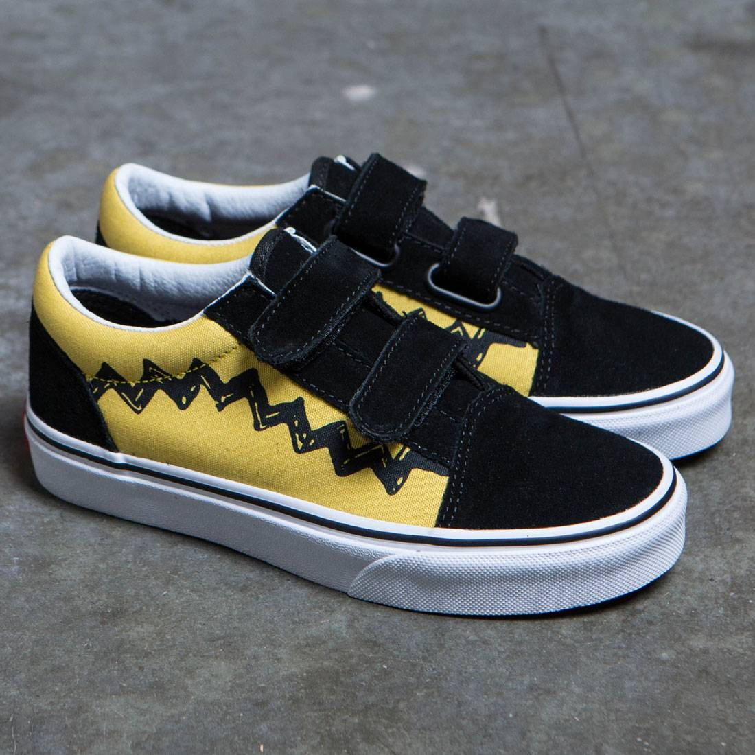 0cfb087af66 Vans x Peanuts Big Kids Old Skool V - Charlie Brown (yellow   black)
