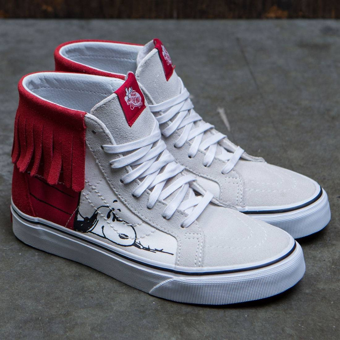 d32e4cdb16 Vans x Peanuts Women SK8-Hi Moc - Dog House (white   bone)
