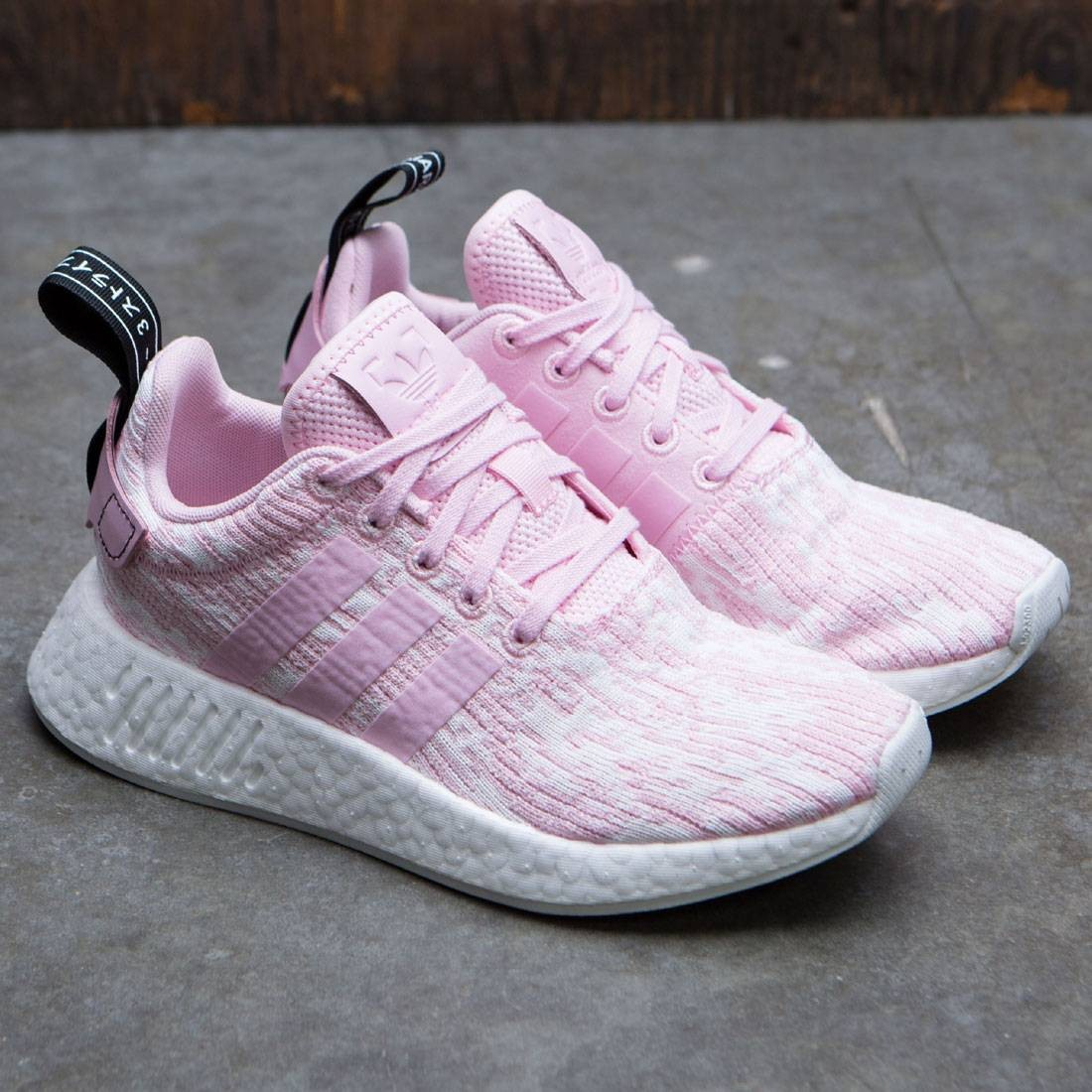 various design elegant shoes fashion Adidas Women NMD R2 W (pink / wonder pink / core black)