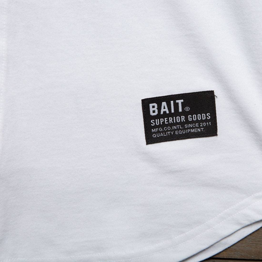 BAIT Men Core Raglan Tee white black