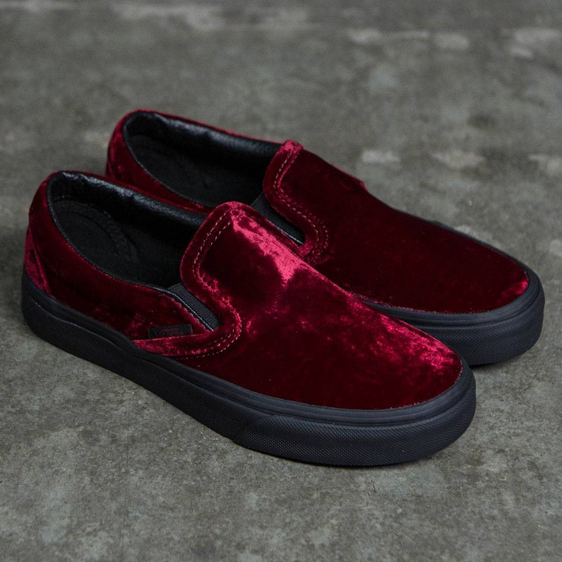 1baeadd5b511be Vans Women Classic Slip-On - Velvet (red   black)