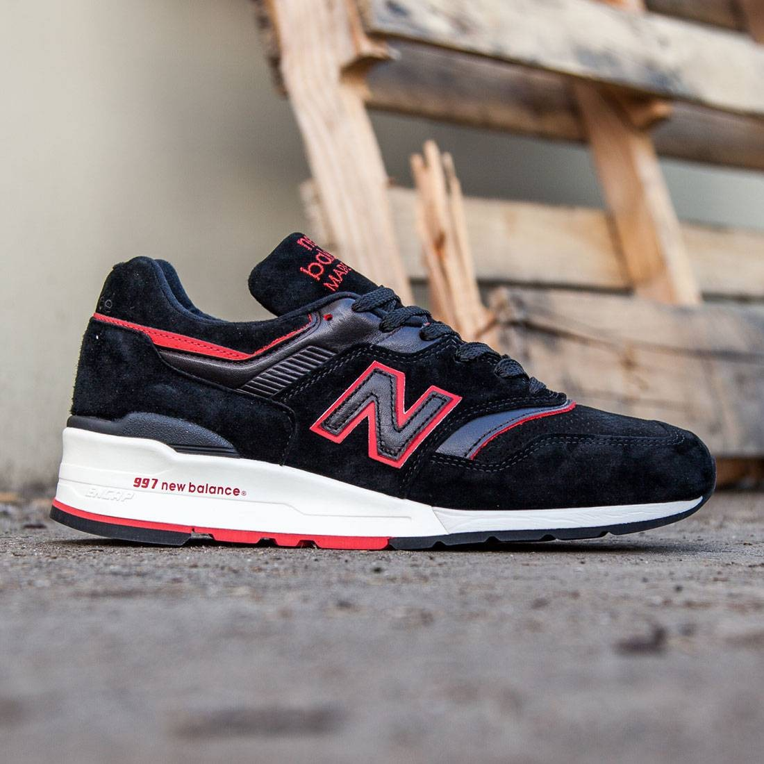 best sneakers 0fe14 d0b7d New Balance Men 997 Air Exploration M997DEXP - Made In USA (black / red)