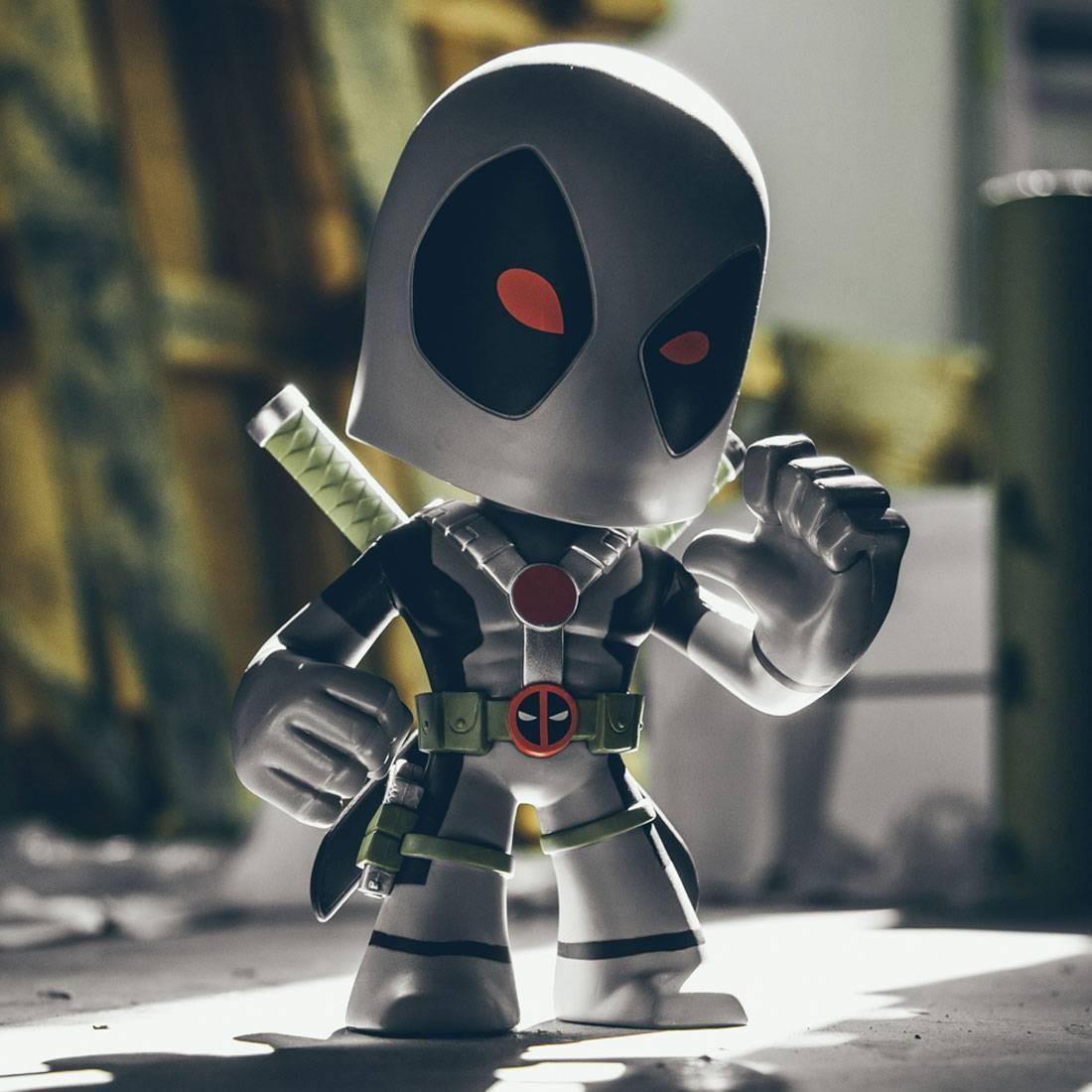BAIT WonderCon Exclusive x Funko Marvel Deadpool Super Deluxe 9 Inch Vinyl Figure - X-Force (gray / red)