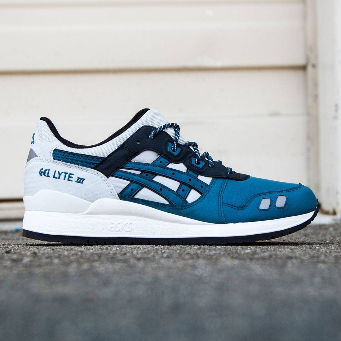 official photos c3f95 65fb0 Asics Tiger Men Gel-Lyte III (gray / soft grey / dragon fly)