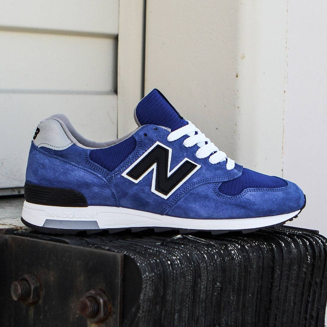 2c07cd664c83a New Balance Men 1400 Explore by Air M1400CBY - Made In USA blue black