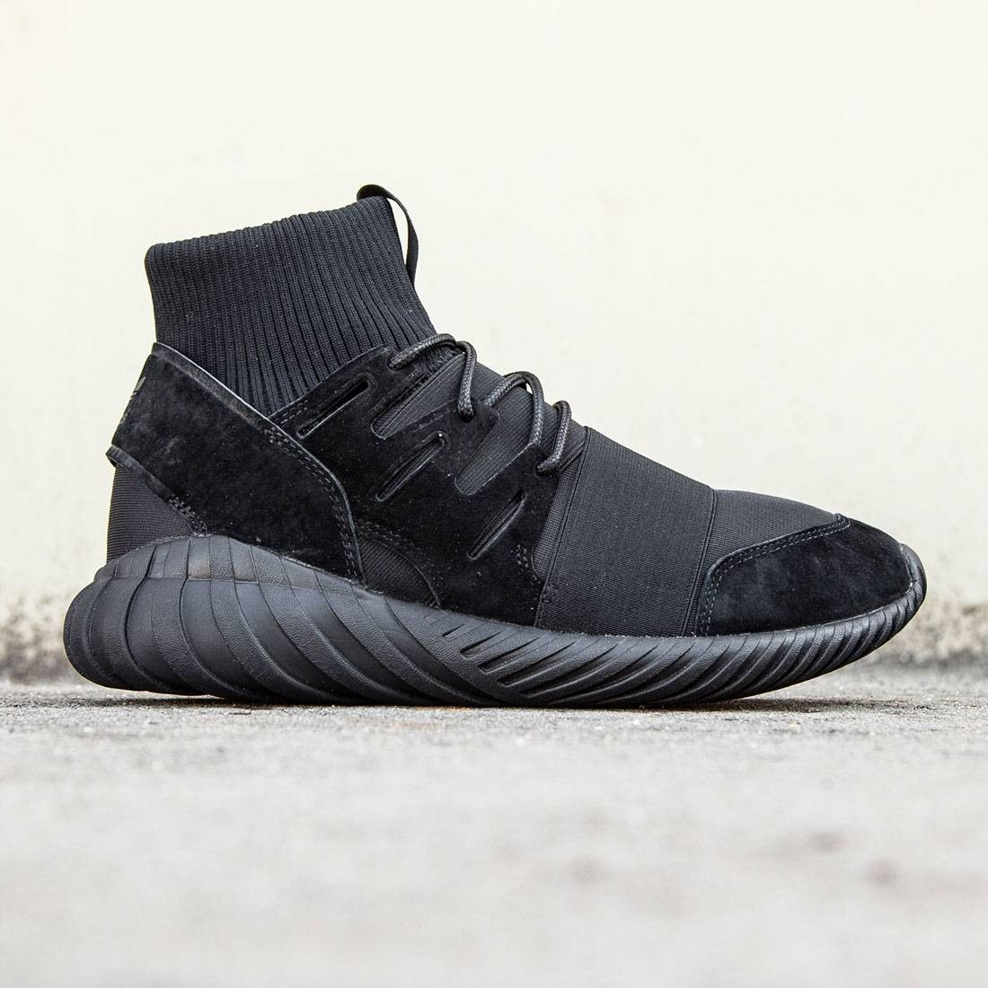 96bda735f390 Adidas Men Tubular Doom - Triple Black black core black