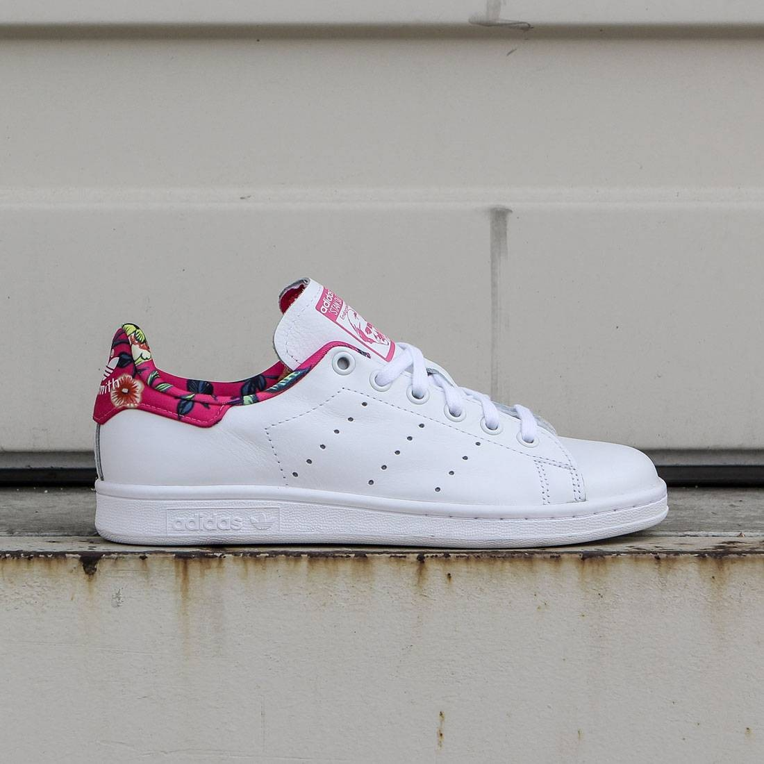 hot sale online c3ca1 82836 Adidas Women Stan Smith (white / footwear white / ray pink)