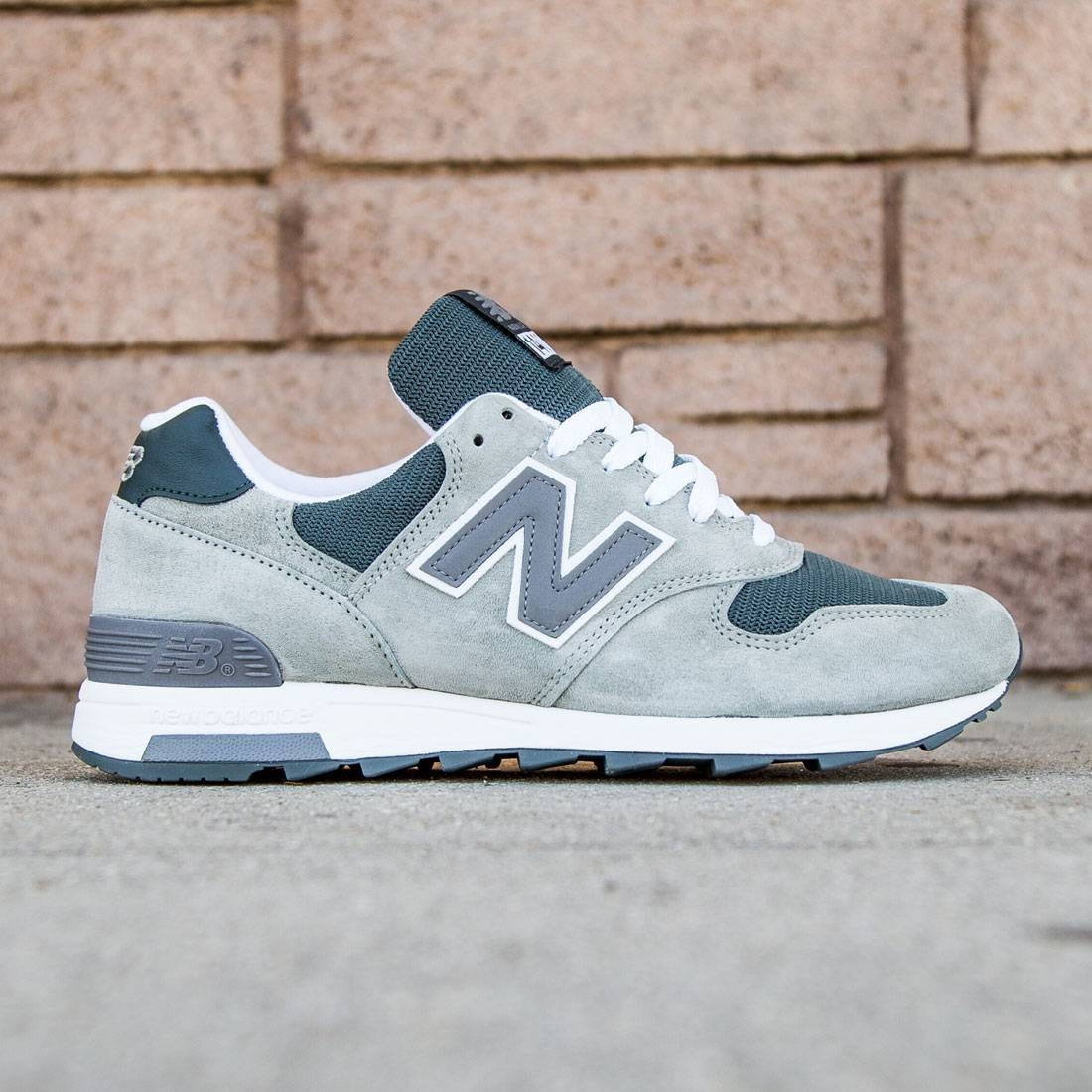hot sale online a227d 7a9df New Balance Men 1400 Age of Exploration M1400CSP - Made In USA (gray /  white)