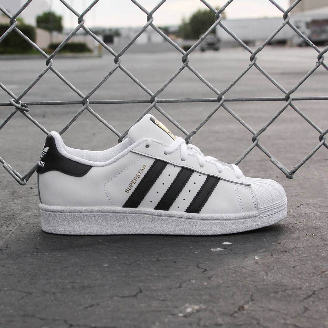Adidas Women Superstar (white / core black / running white)