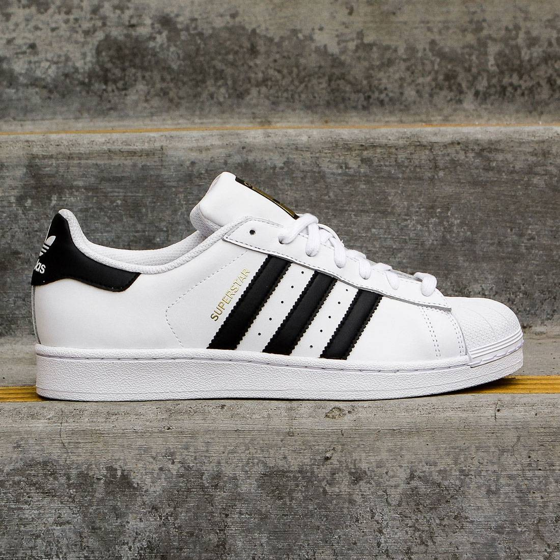 various colors a6237 e3f22 Adidas Men Superstar Foundation (white / core black / running white ftw)