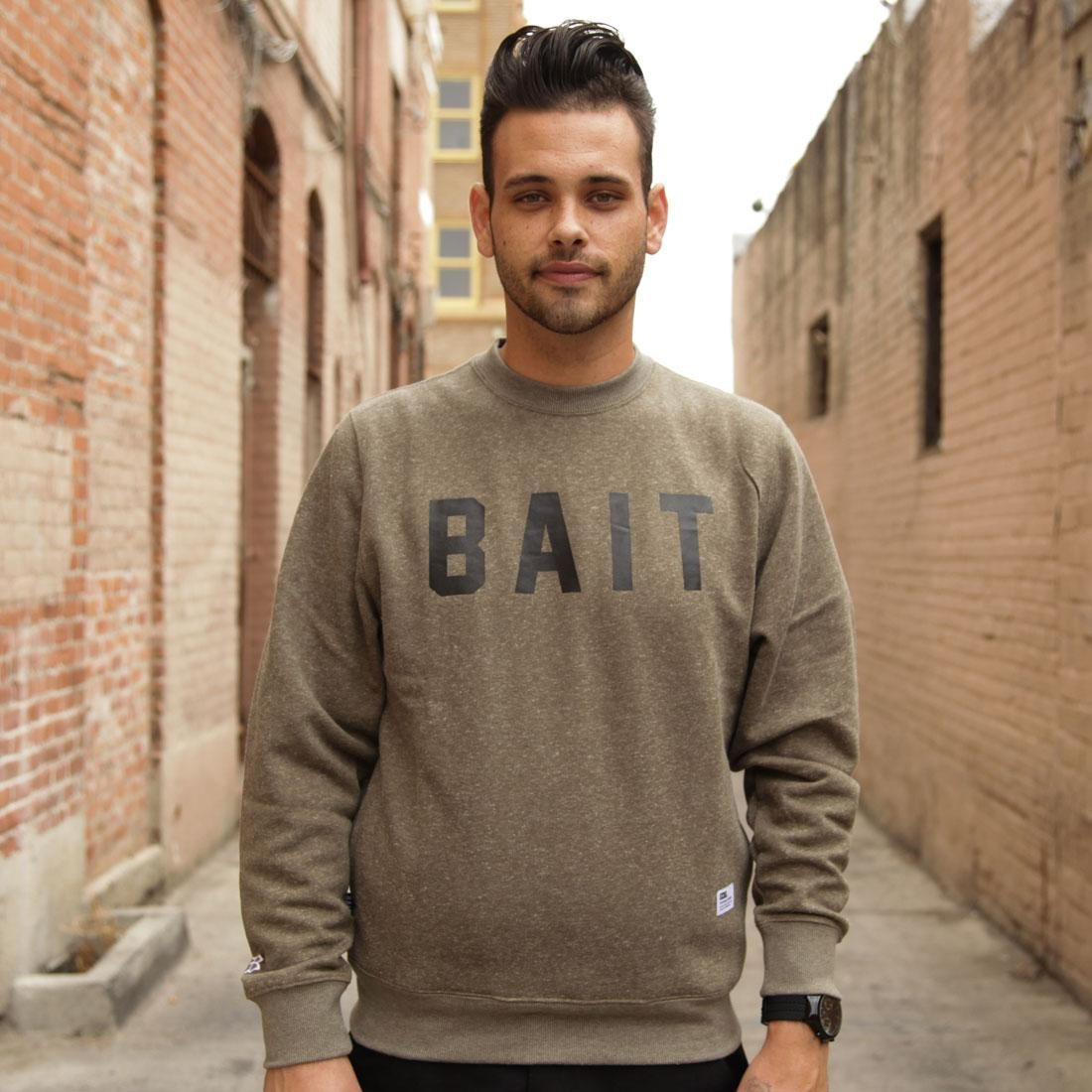 BAIT Invisible Pockets Fitted Crewneck (green / olive)