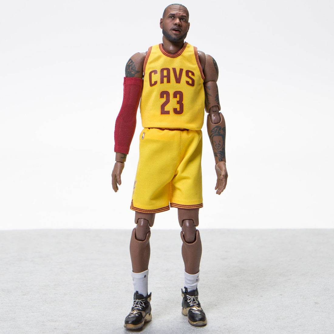 NBA x Enterbay Lebron James 1 9 Scale 9 Inch Figure yellow 3ea2dd73a