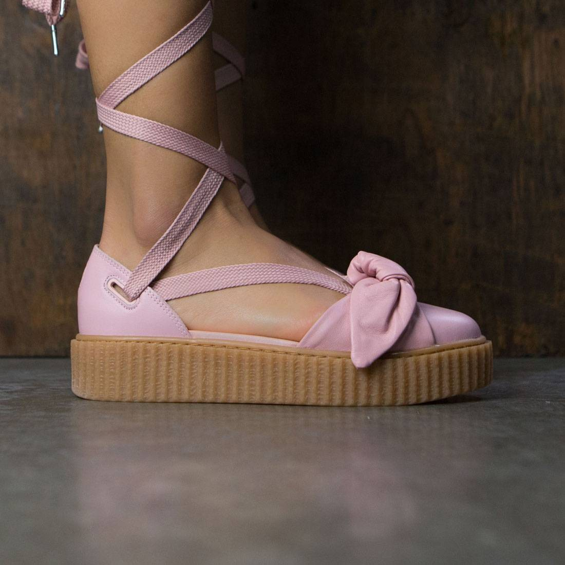 buy online ff101 5e136 Puma x Fenty By Rihanna Women Bow Creeper Sandal (silver / pink / oatmeal)