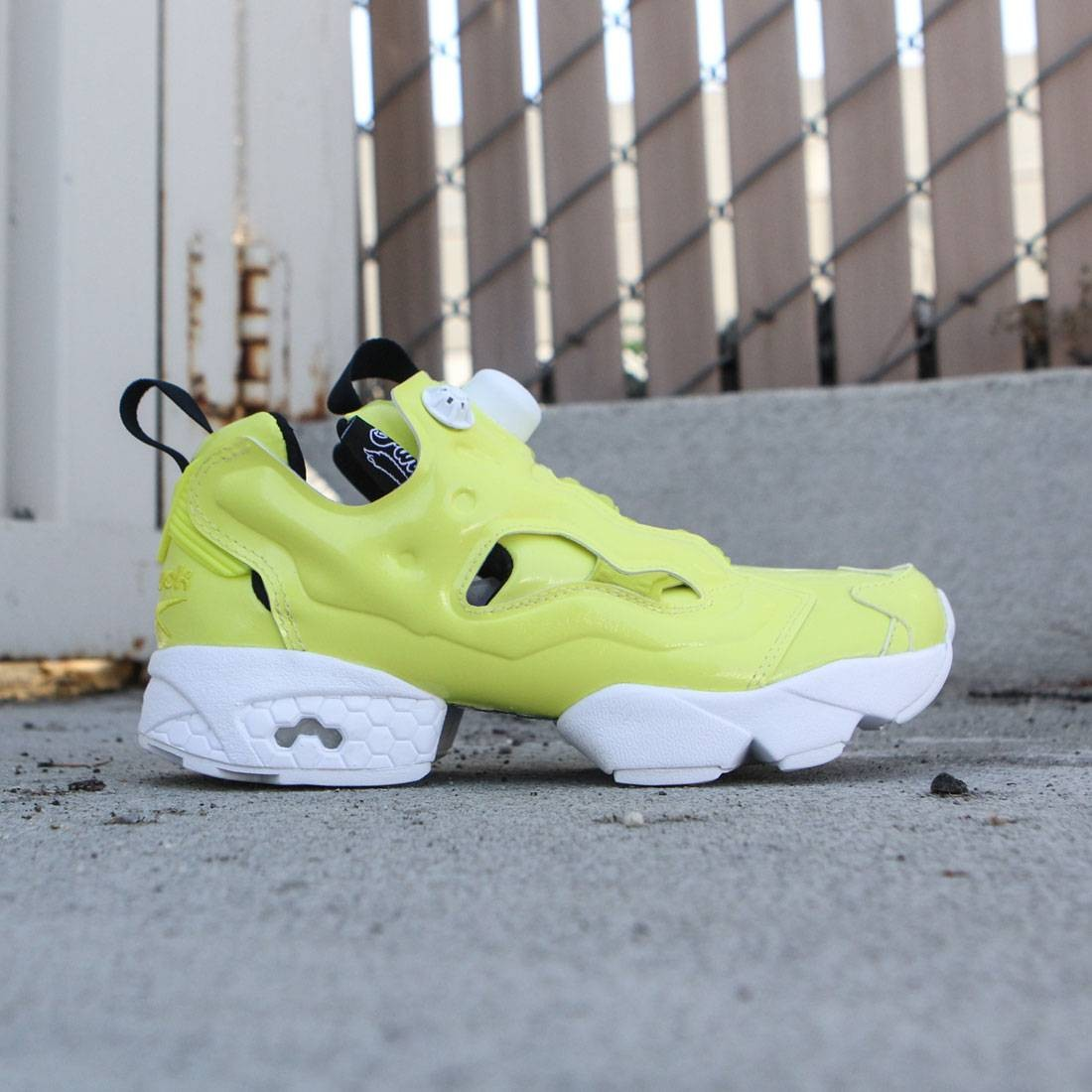 f09e8e62a13e4f Reebok Women InstaPump Fury Overbranded yellow hero yellow white black