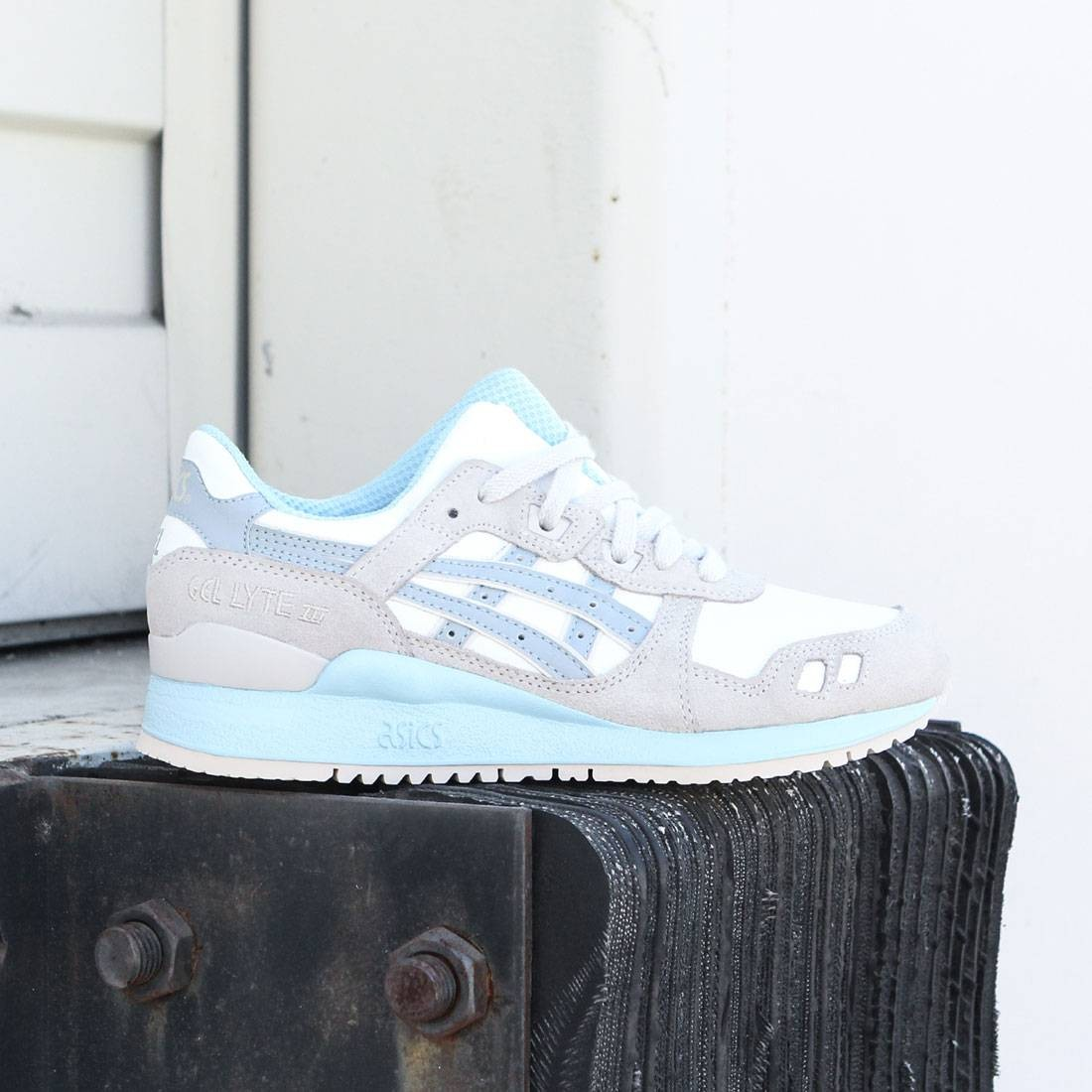outlet store 58e47 5afdf Asics Tiger Women Gel-Lyte III (white / light grey)