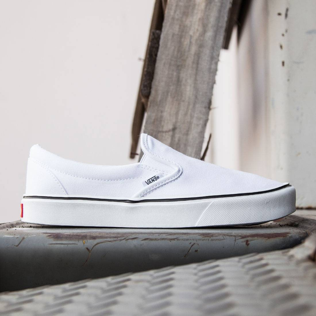 8784e8b14a Vans Men Slip-On Lite Plus - Canvas white true white