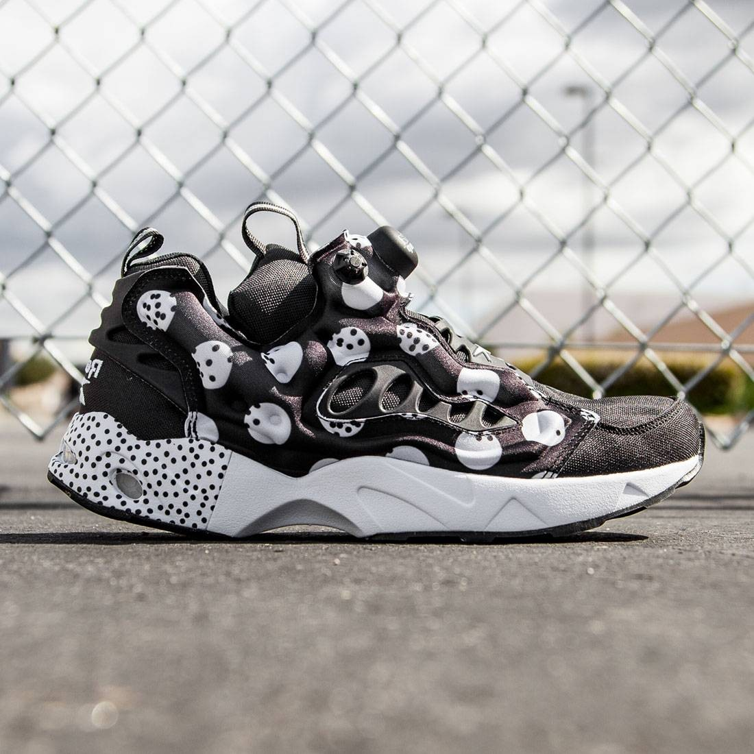 wholesale dealer 93c14 e7b3d Reebok Men Instapump Fury Road SG black white
