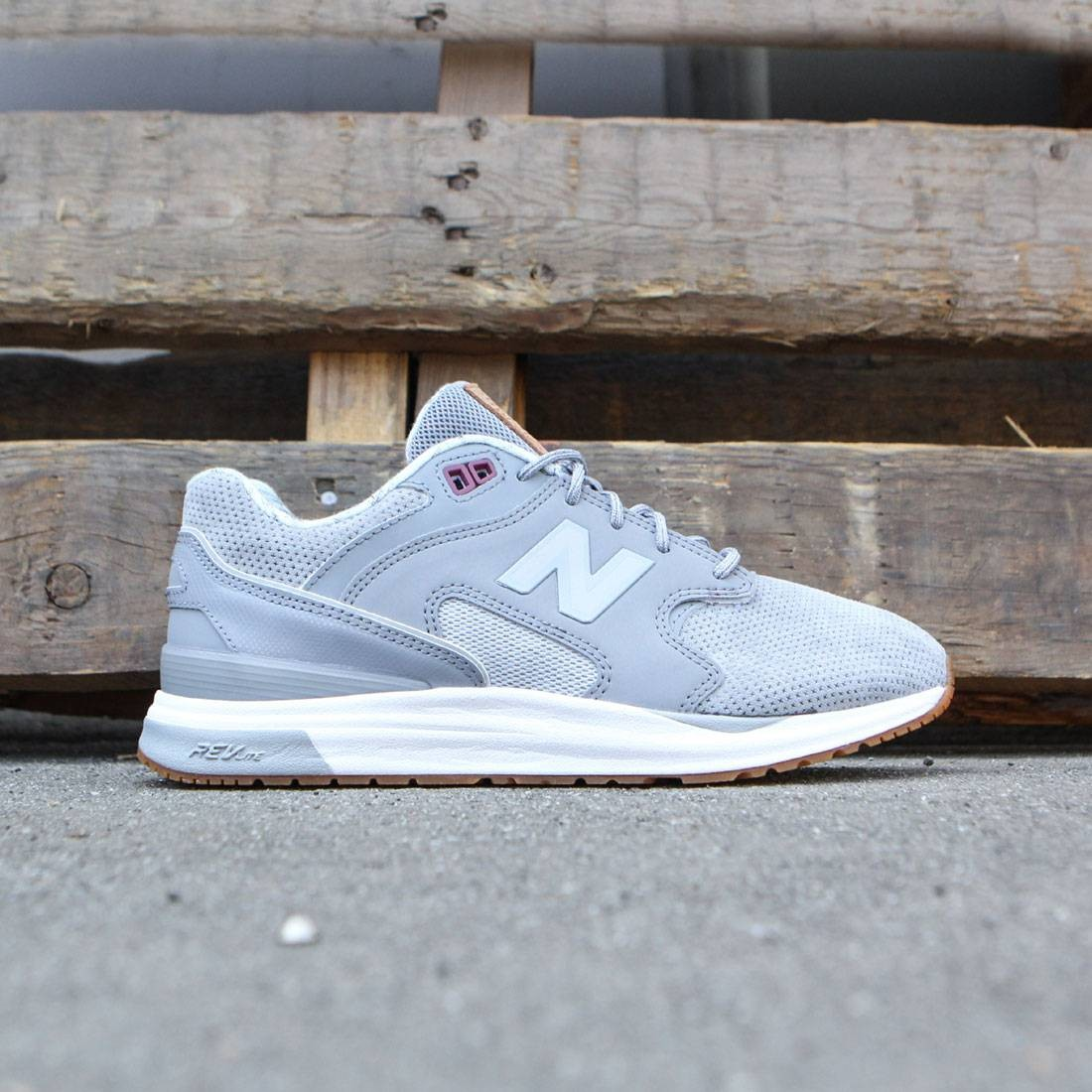 nouveau produit be825 5f558 New Balance Women 1550 Suede WL1550NB (gray / steel / silver mink)