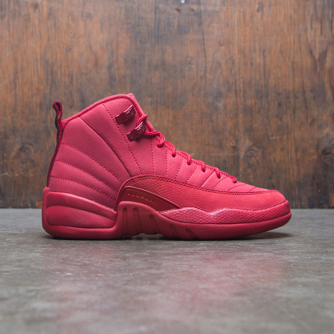 purchase cheap 6f6cb 79620 Air Jordan 12 Retro Big Kids (GS) (gym red / black-gym red)
