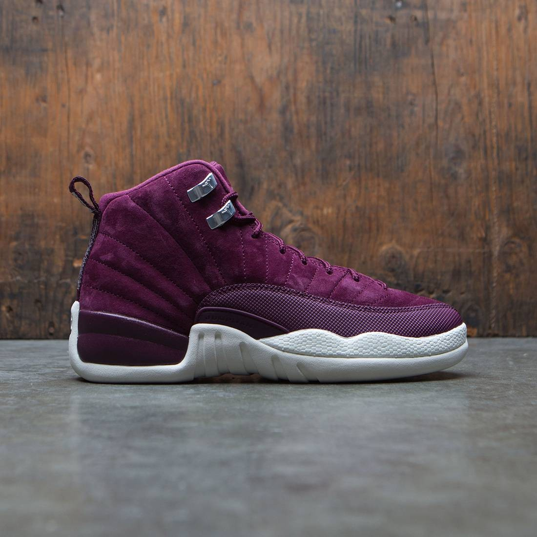 Air Jordan 12 Retro (GS) Big Kids (burgundy / bordeaux / sail-metallic silver)