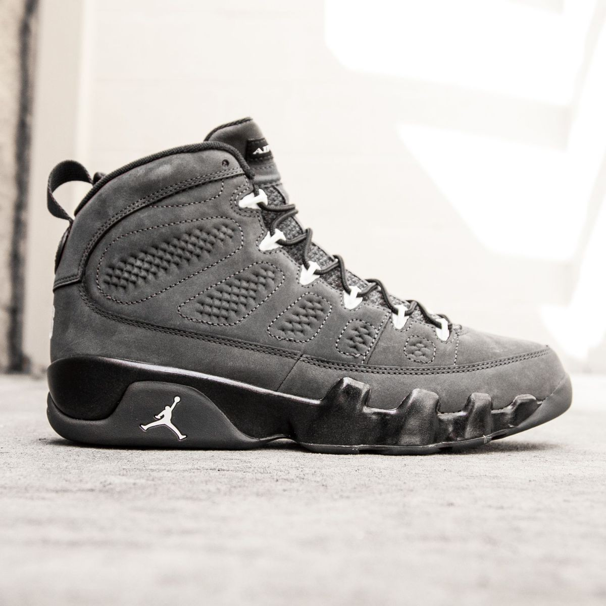 new product 56b4d de0bf Jordan Men Air Jordan 9 Retro gray anthracite white black