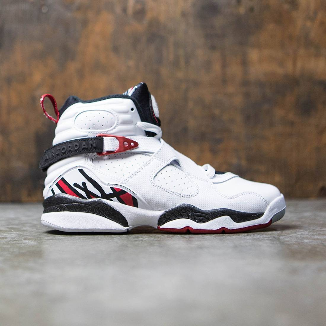 fc697a4dba623 AIR JORDAN 8 RETRO (GS) Big Kids (white / gym red-black-wolf grey)