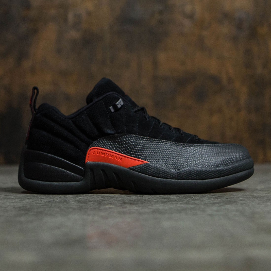 Air Jordan 12 Retro Low Men (black / max orange-anthracite)