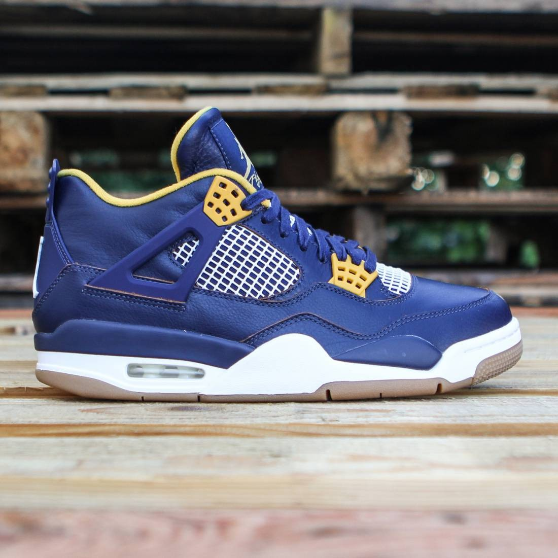 086fc998356 Jordan Men Air Jordan 4 Retro (midnight navy gold leaf white metallic gold)
