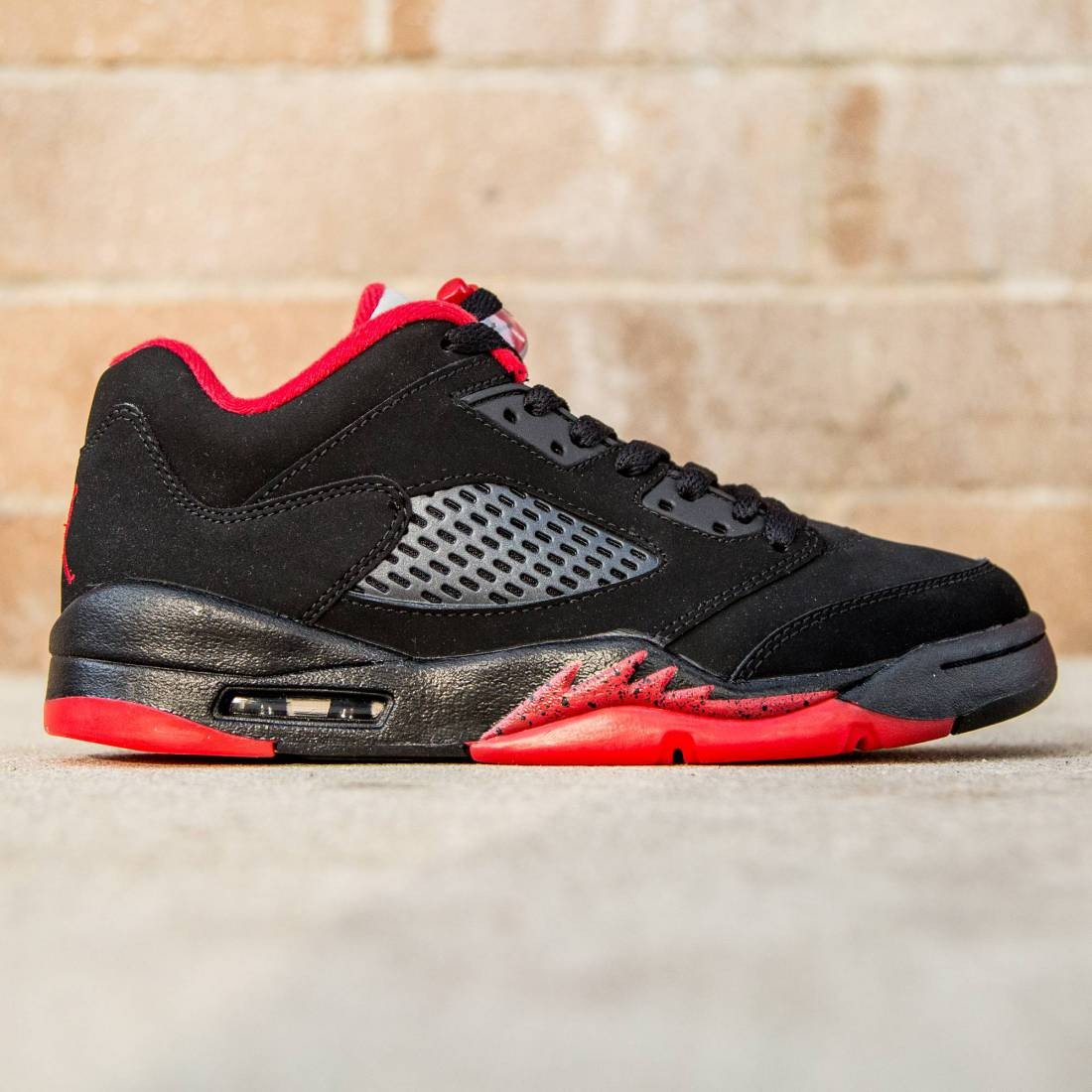 best sneakers 9fc67 b5199 Air Jordan 5 Retro Low GS Big Kids (black / gym red / black)