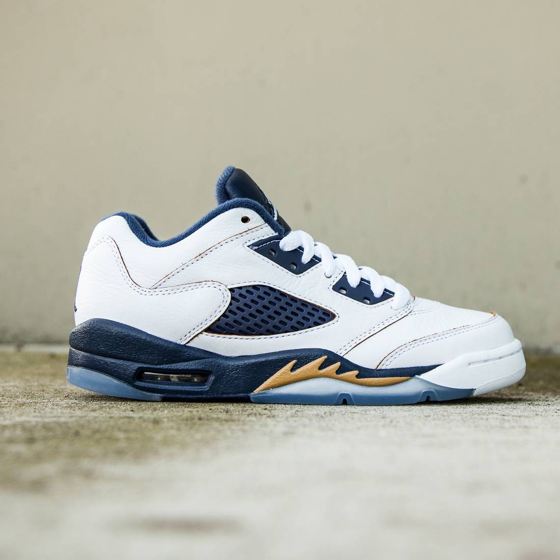 differently be935 7d09c Air Jordan 5 Retro Low Dunk From Above Big Kids (white / metallic gold /  mid navy)